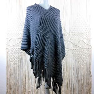 Ana & Ava V-shaped Knit Gray Poncho Shrug